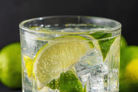 شرب الماء, الماء والليمون
